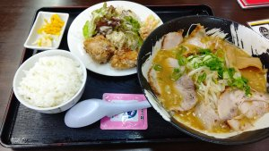 にんにくラーメン昼定食