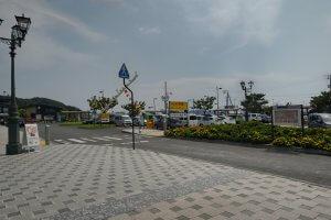 宇野駅前のパーキング