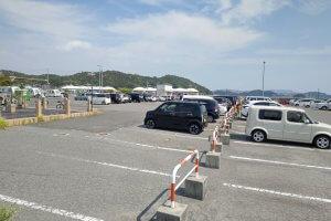 宇野港第1突堤緑地の駐車場